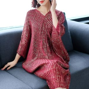 Temperament Bat Sleeve Loose Long Section Package Hip Dress (Color:Wine Red Size:One Size)