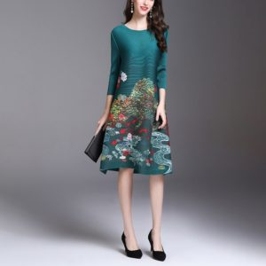 Fold In The Long Section Retro Print Dress(Color:Green Size:One Size)